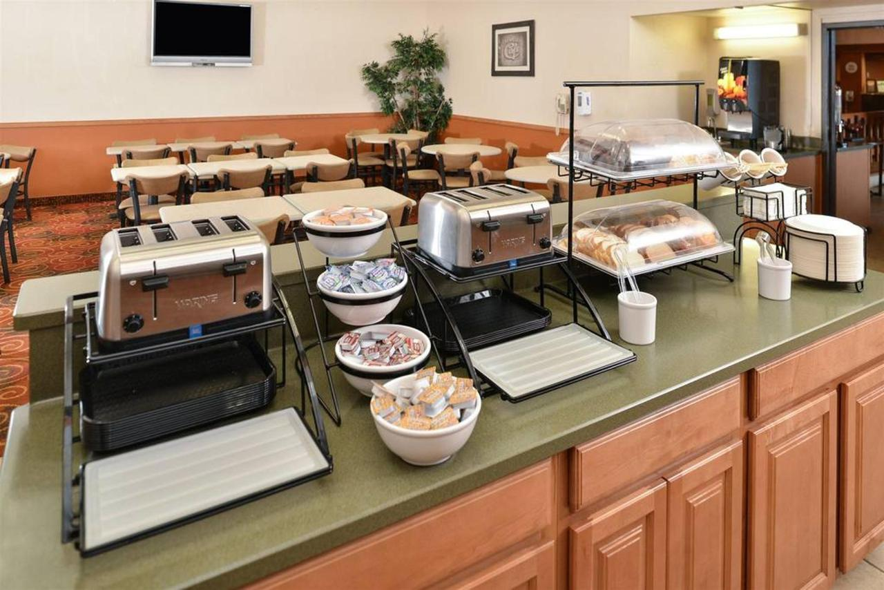 Hot Breakfast Buffet6.jpg