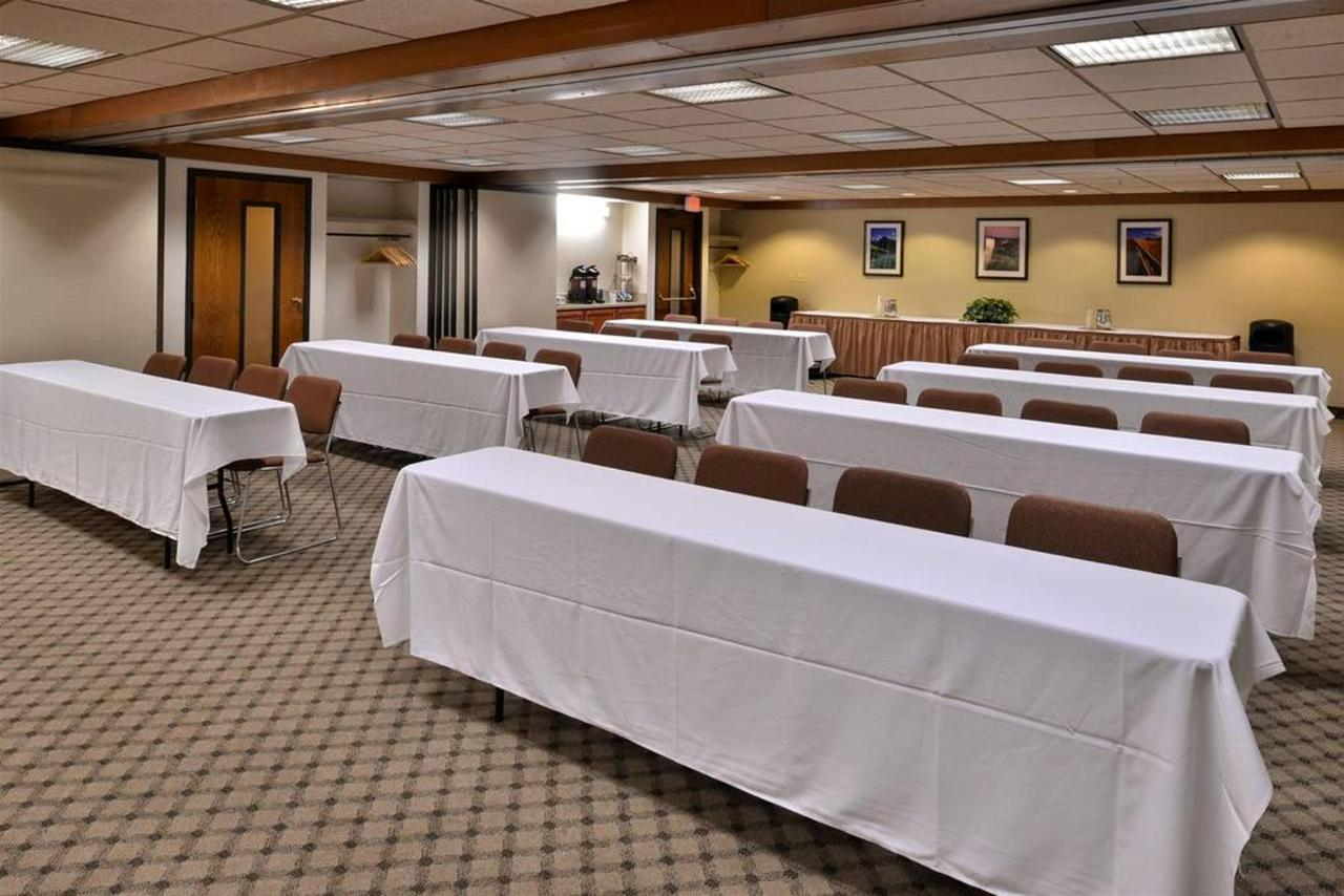 Montana Room - Classroom - Up to 48 attendees.jpg