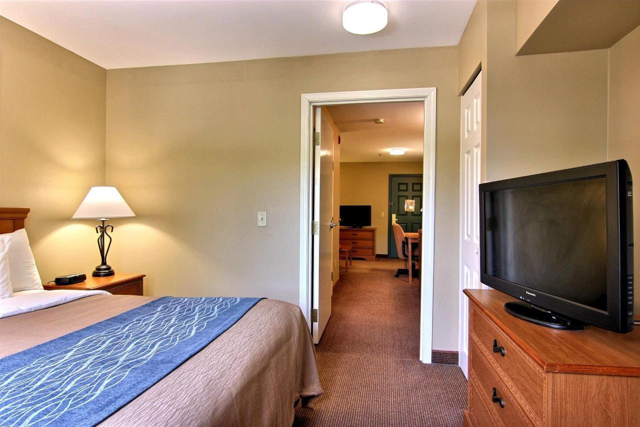 flb21-2-rm-king-suite-2-11.jpg