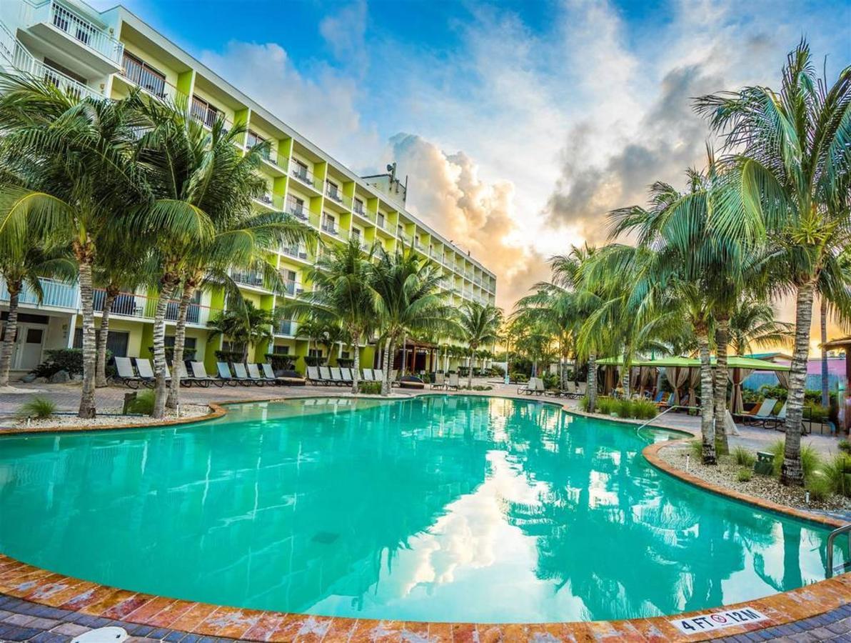 Hotel_HolidayInnAruba3.jpg