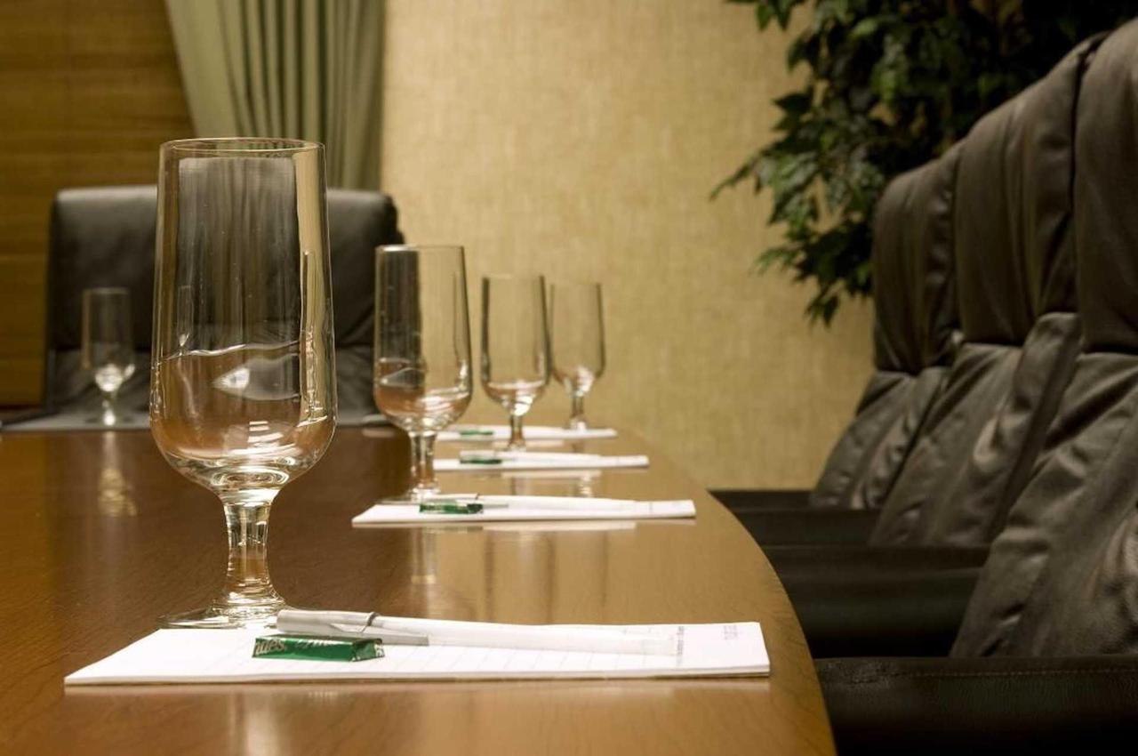 meeting-boardroom-detail-26751.JPG.1920x0.JPG
