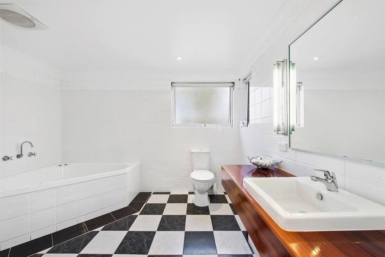deluxe-spa-room-4.jpg.1024x0.jpg