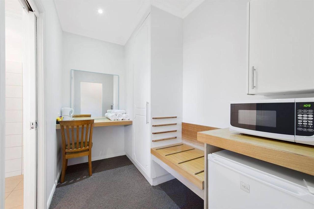 twin-room-3.jpg.1024x0-1.jpg