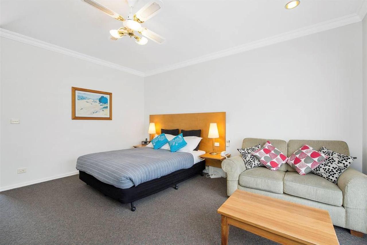 double-room-2.jpg.1024x0.jpg