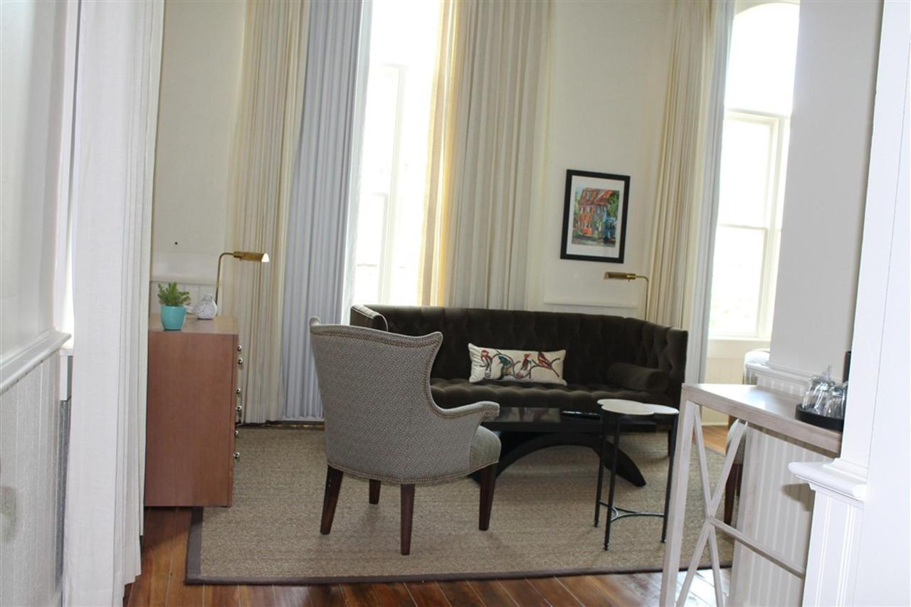 grand-penthouse-master-bedroom-living-area.JPG.1024x0.JPG