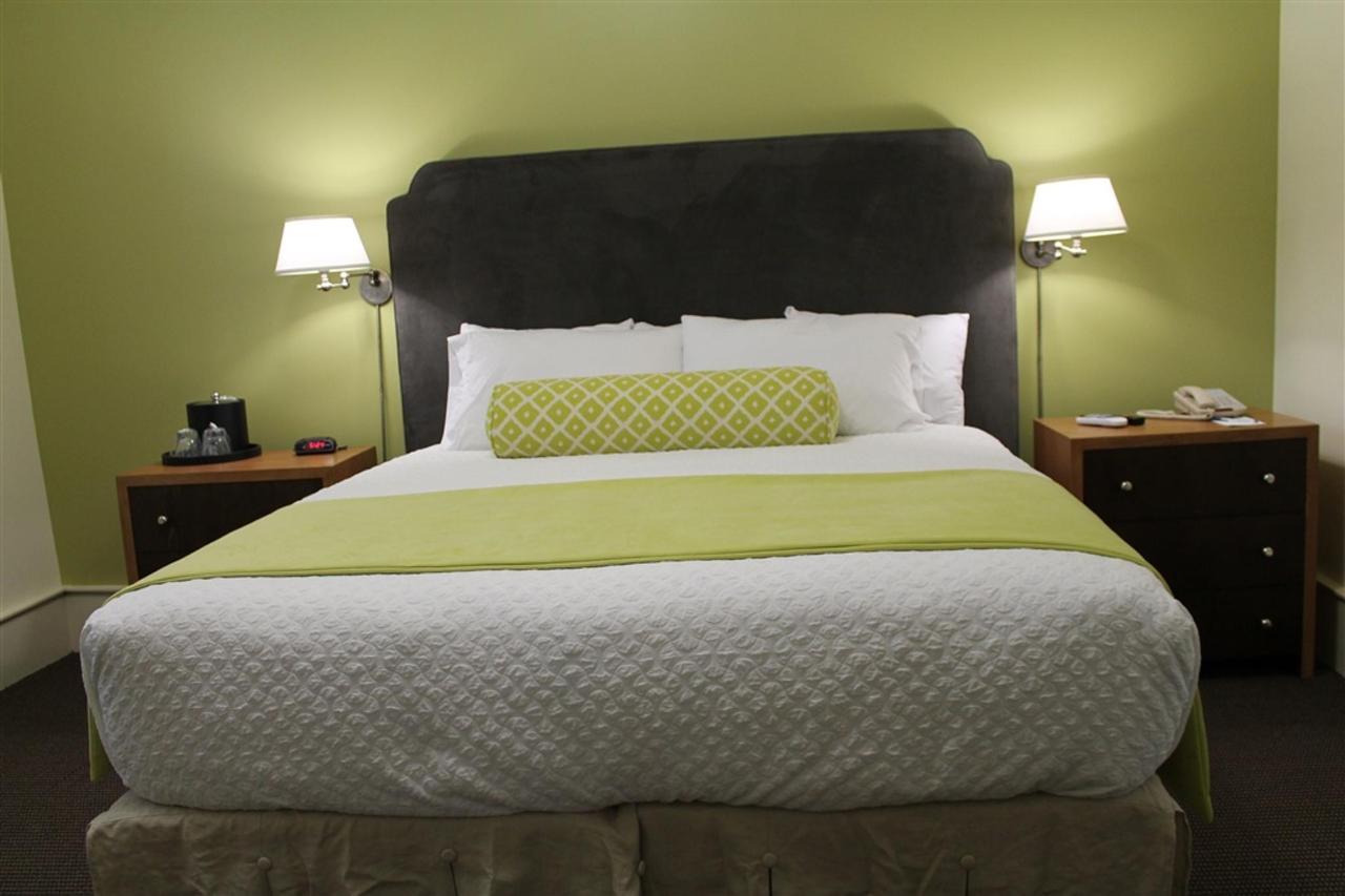 king-guest-room-1.JPG.1024x0.JPG