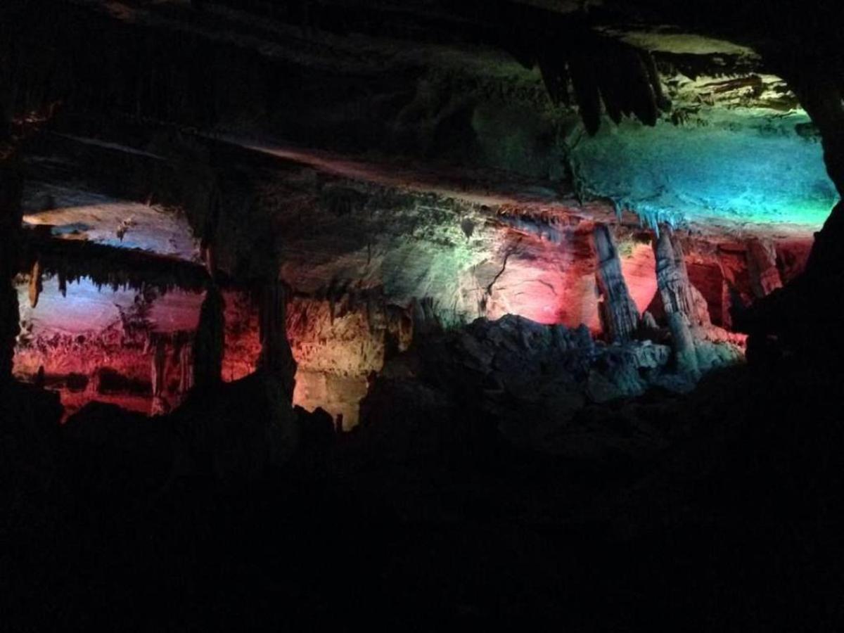 caves.jpg.1024x0.jpg