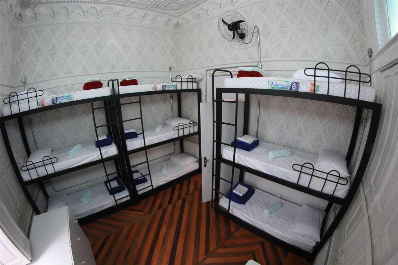 Quarto Compartilhado Misto (9 camas).jpg