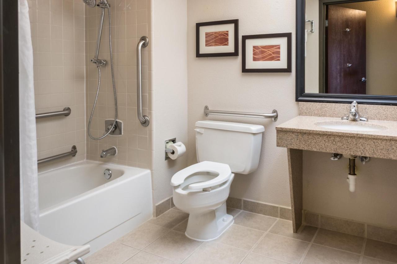 Bathroom - Accessible.jpg