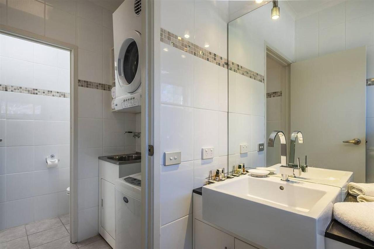 au448_ci_coach-bushmans_bathroom2laurndry_2bed.jpg.1024x0.jpg