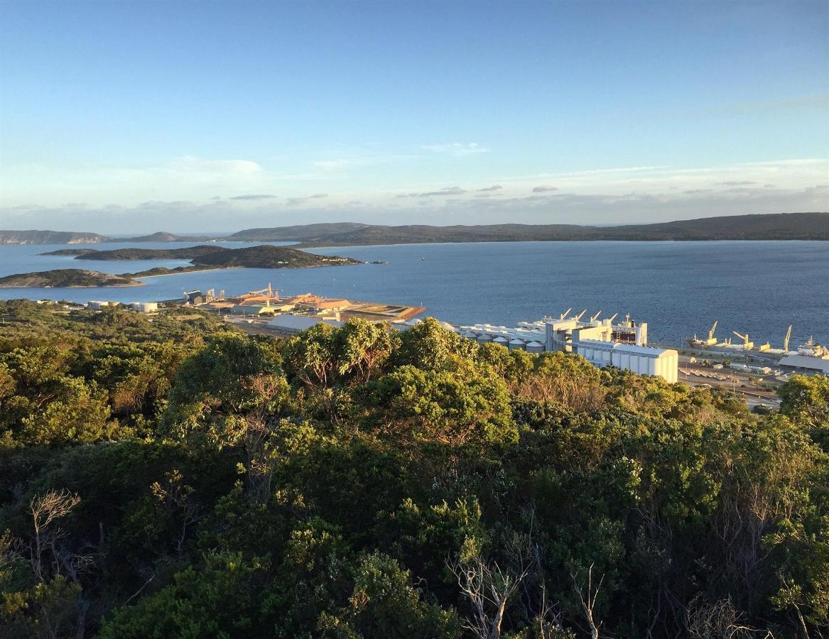 mt-clarence-lookout-to-port.jpg