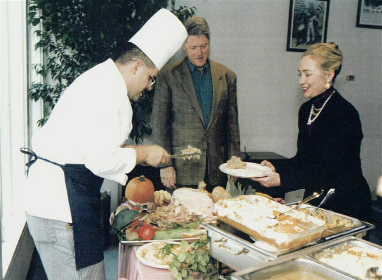 serving-food-1.jpg.1024x0.jpg