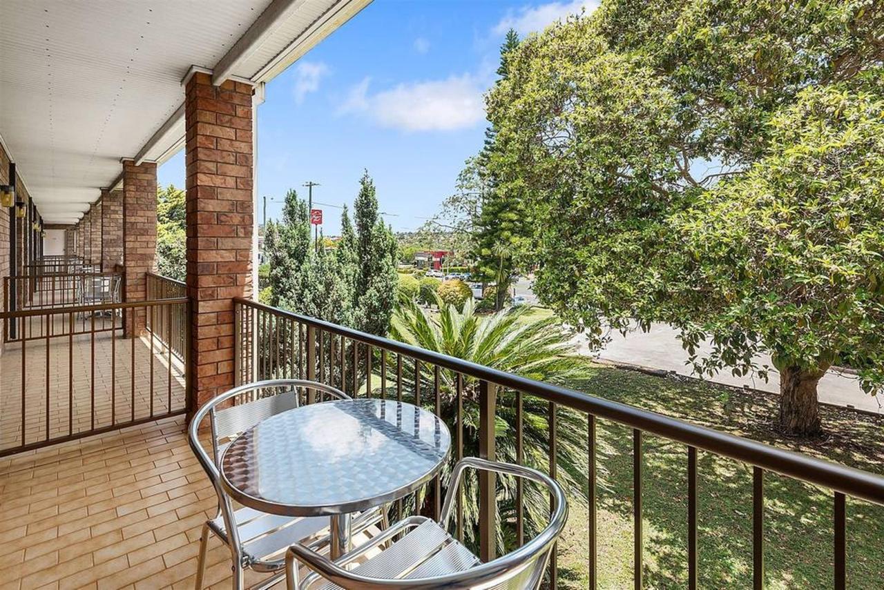balcony-view-of-front-property.jpg.1024x0.jpg