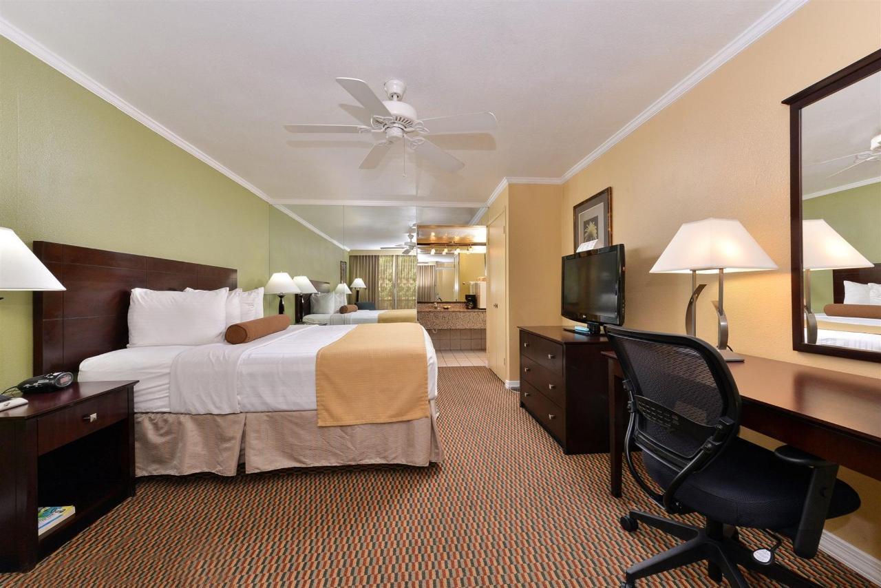 Habitación con cama extragrande (03) .jpg
