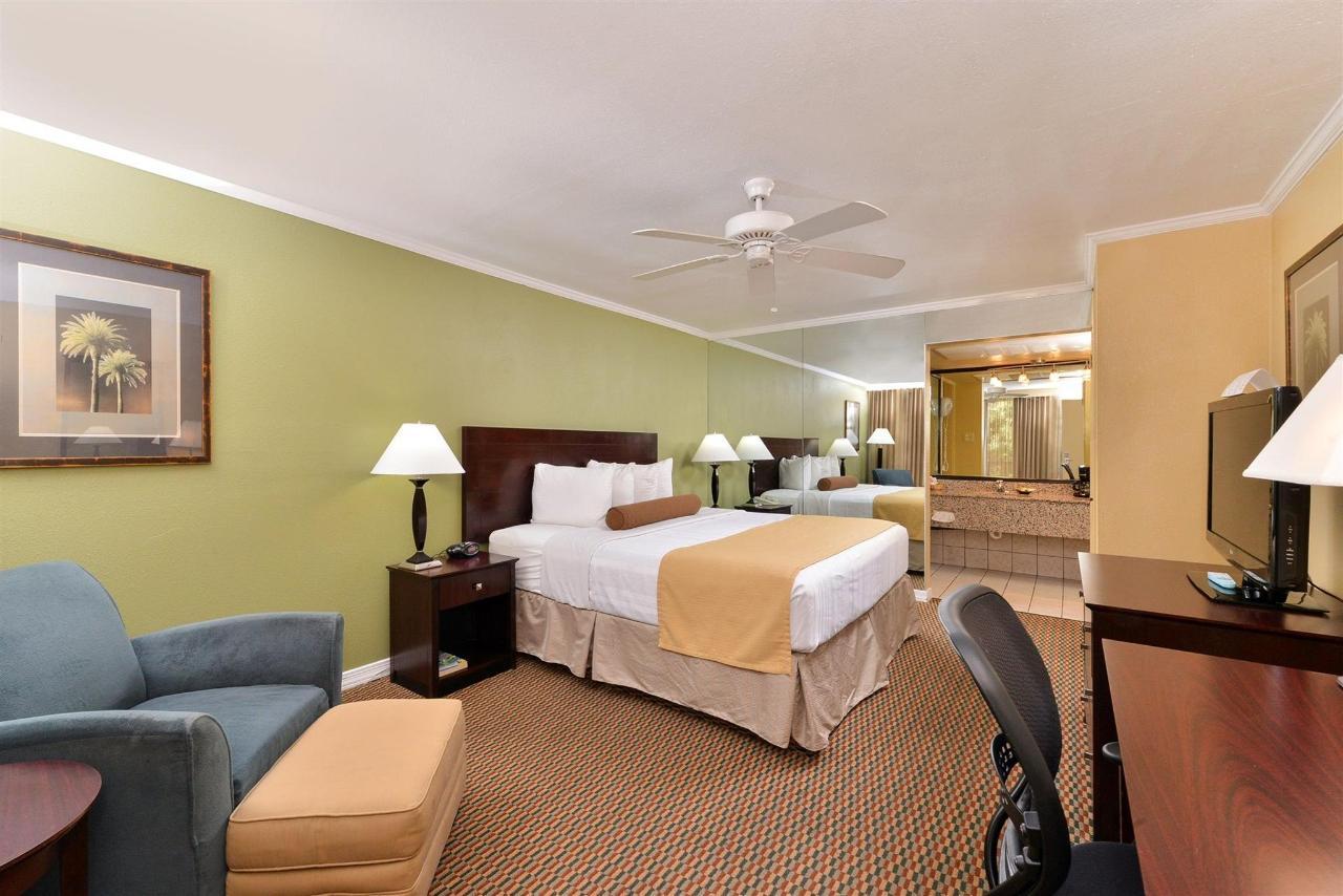 Habitación con cama extragrande (04) .jpg
