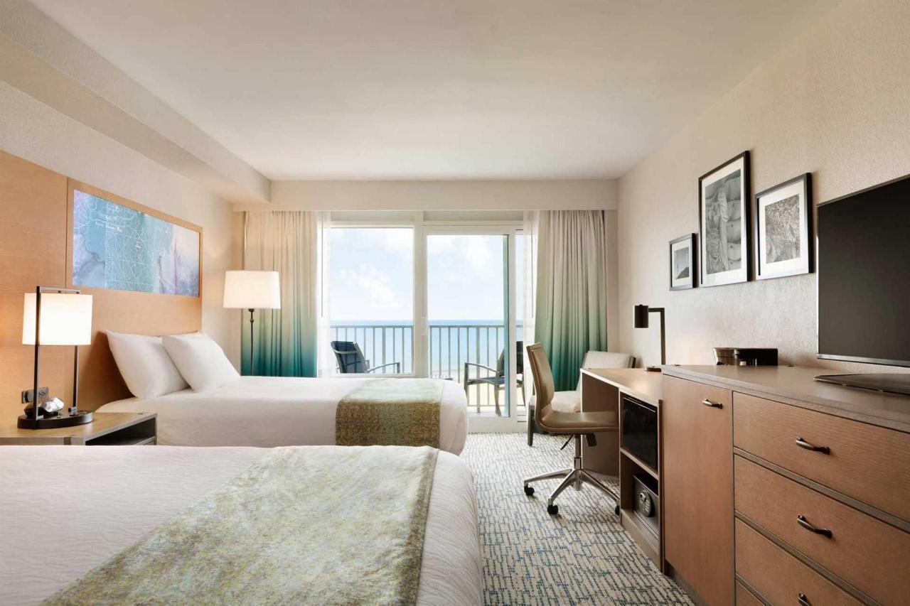 surfbreak-oceanfront-hotel-oceanfront-2-queen-bed-guest-room-1148068-1.jpg.1920x0 (3).jpg