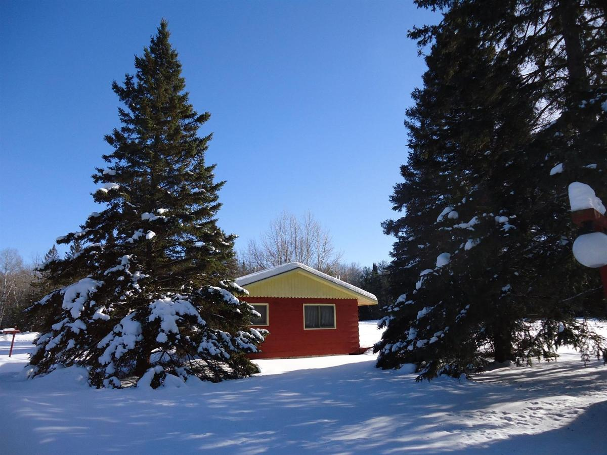 cottage-in-the-snow.jpg