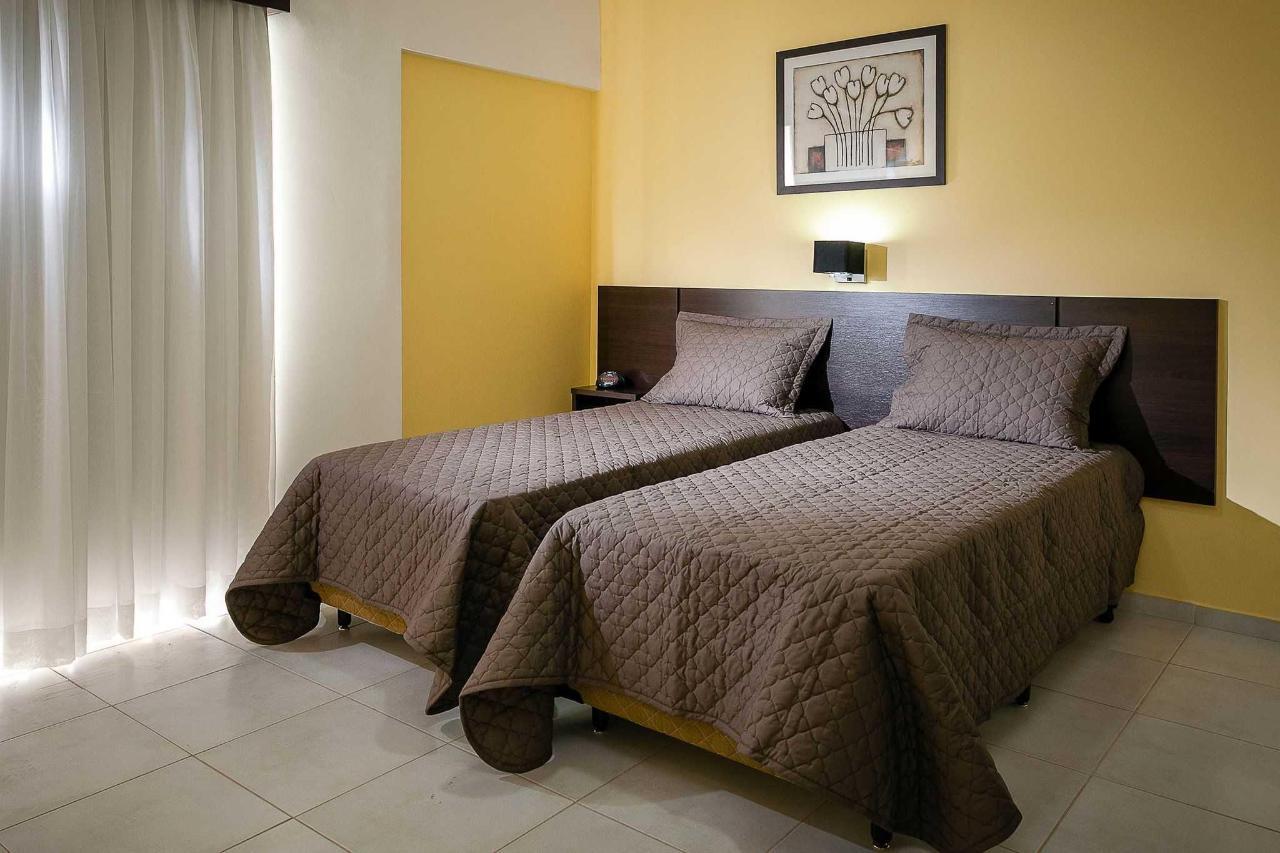 Standard double room - cama de solteiro.jpg