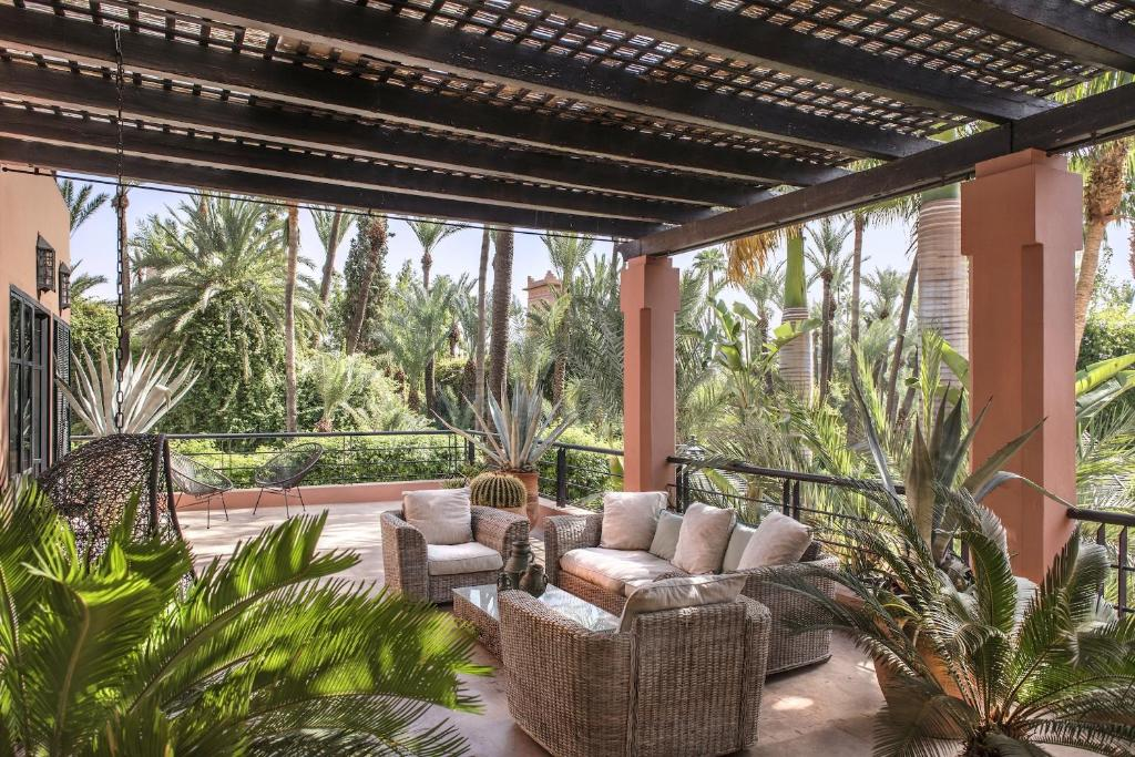 https://www.booking.com/hotel/ma/villa-kallaris.html?aid=1490148&no_rooms=1&group_adults=1