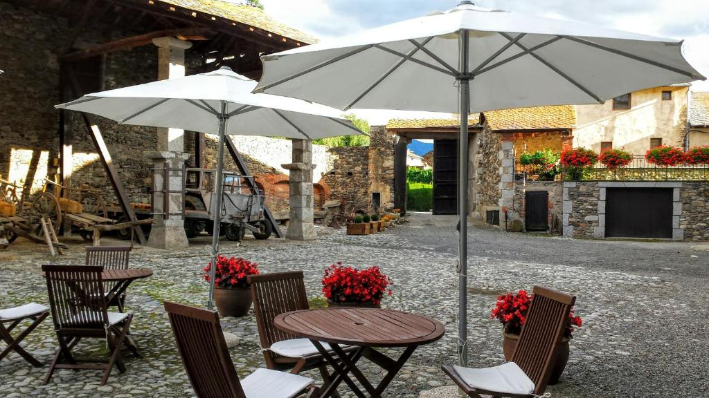 boutique hotels in llivia  56