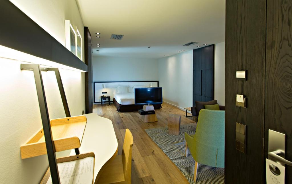 boutique hotels in girona  285