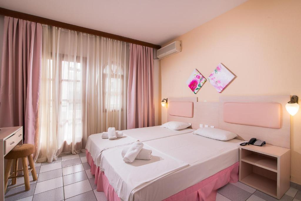 Camera Matrimoniale Doppia Con Letti Singoli.Hotel Calypso Sito Ufficiale Hotel A Hanioti