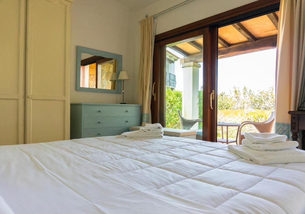 Camera Matrimoniale Doppia Con Letti Singoli.Jaddhu Ristorante Country Resort Sito Ufficiale Hotel A Arzachena