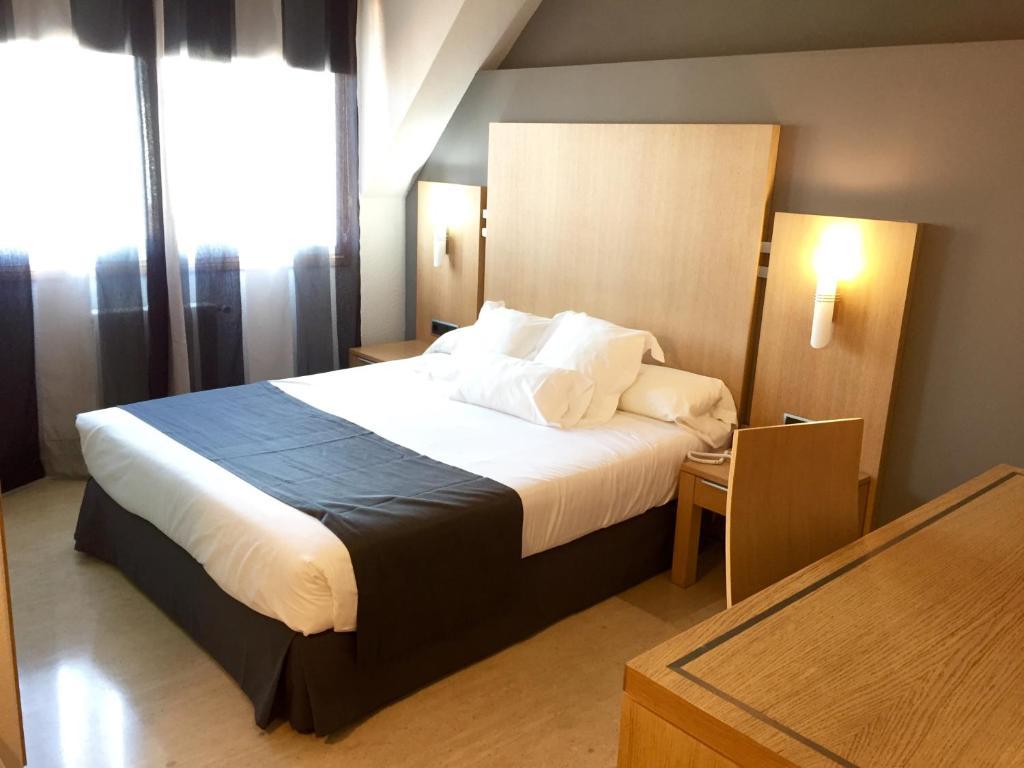 Camera Matrimoniale Doppia Con Letti Singoli.Hotel Faro Salazon Sito Ufficiale Hotel A Sanxenxo