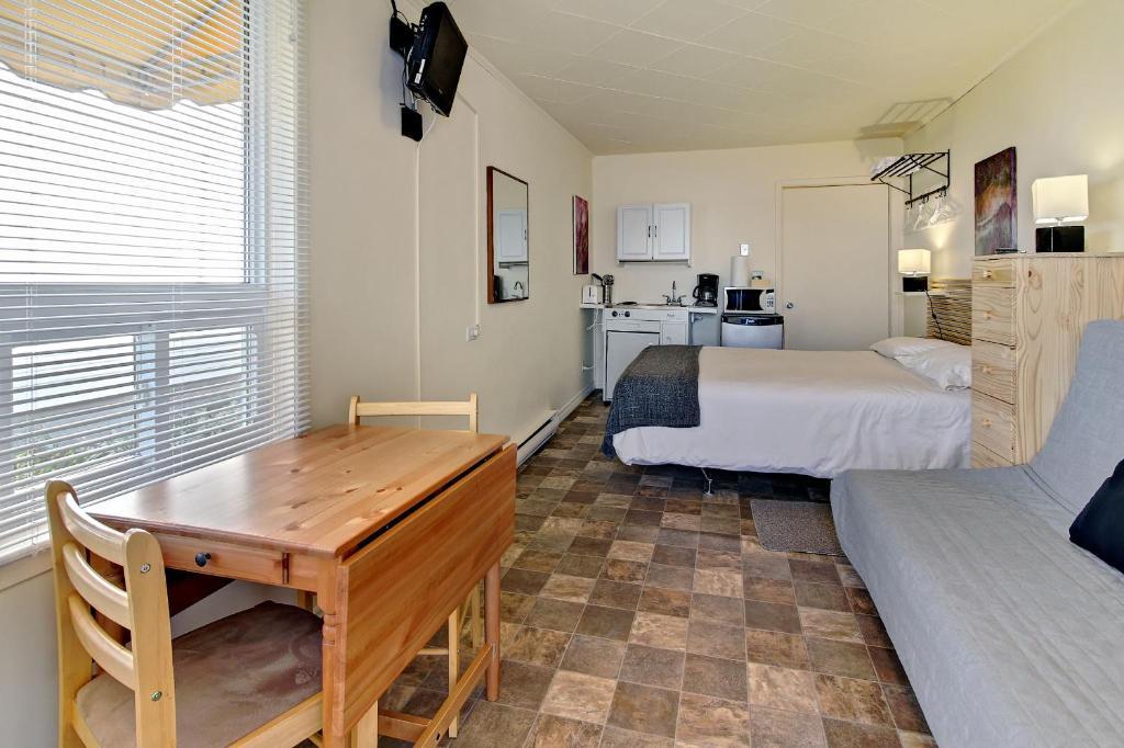 Camere Con Divano Letto : Motel appartements le saint patrick sito ufficiale motel a