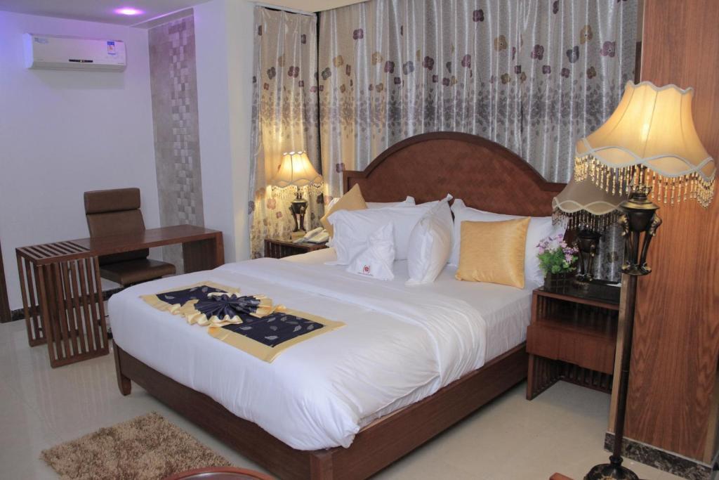 Zimbo Golden Hotel