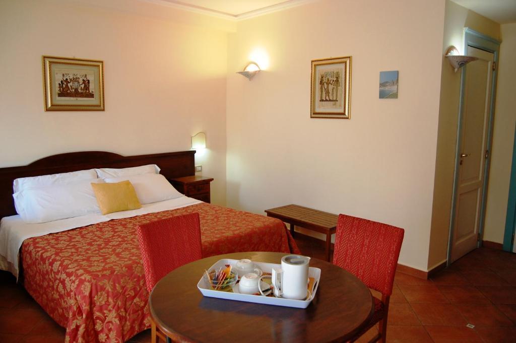 Camera Matrimoniale Doppia Con Letti Singoli.Hotel Mediterraneo Sito Ufficiale Hotel A Siracusa