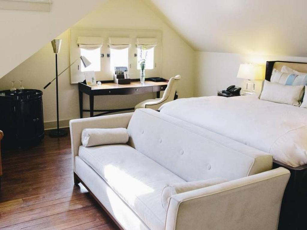 Elegant room at Stonehurst Place