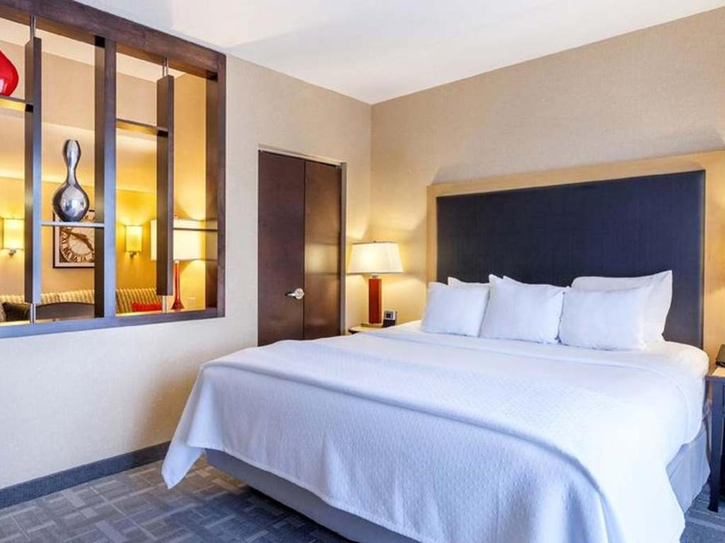 2 Bedroom King Tower Suite