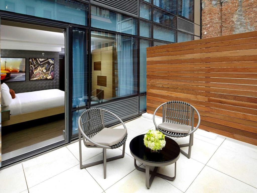 Habitación Con Cama Extragrande Y Terraza Habitaciones