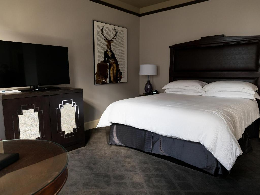Hotel with Jacuzzi in Room Fort Worth | Fort Worth Hotels Downtown
