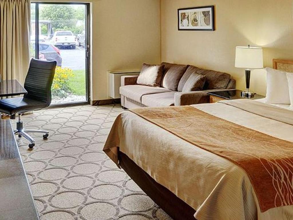 Chambre Confort, 1 Lit King, 1e étage | Comfort Inn Baie-Comeau