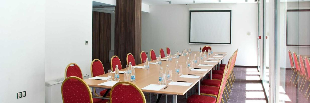 panonia_meeting_room_boardroom_setup.jpg