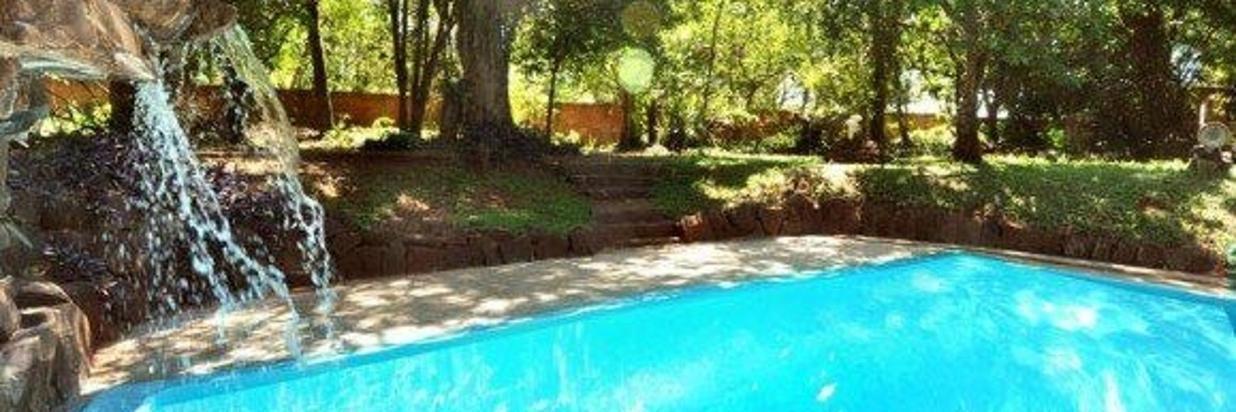 e-12-piscina-cheia-cachoeira_579_385_90.jpg