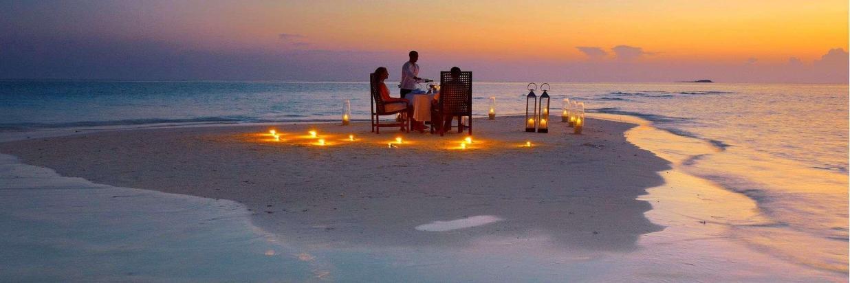 image-activites-sandbank-dinner-ukulhas.jpg