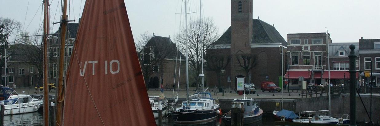hellevoetsluis_marinehaven.jpg
