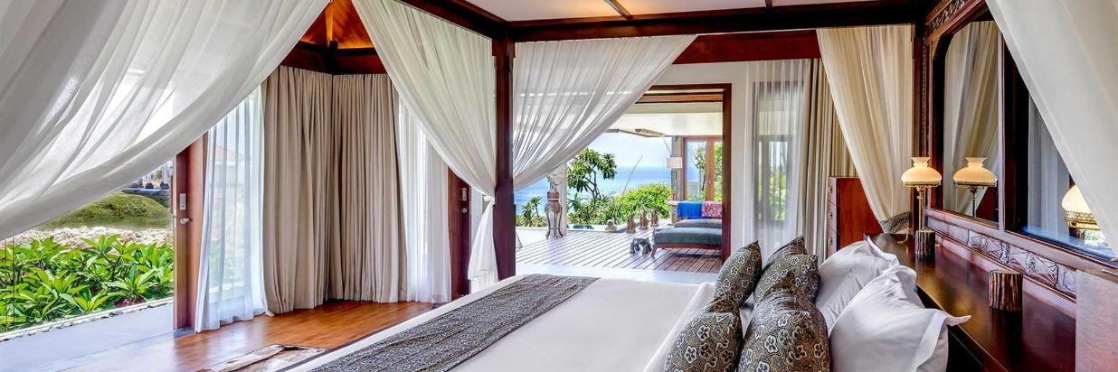 bali-villa-master-suite3-vf.jpg.1920x810_default.jpeg