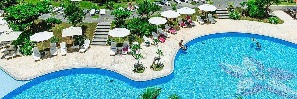 Pool & Facility