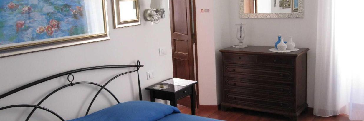 red-camera-da-letto-2-3.JPG