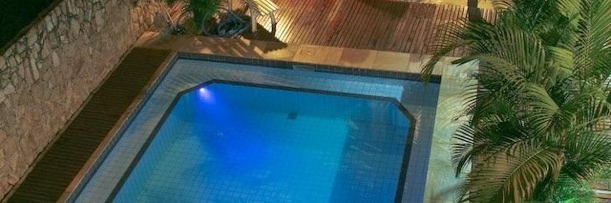 piscina-a-noite.JPG