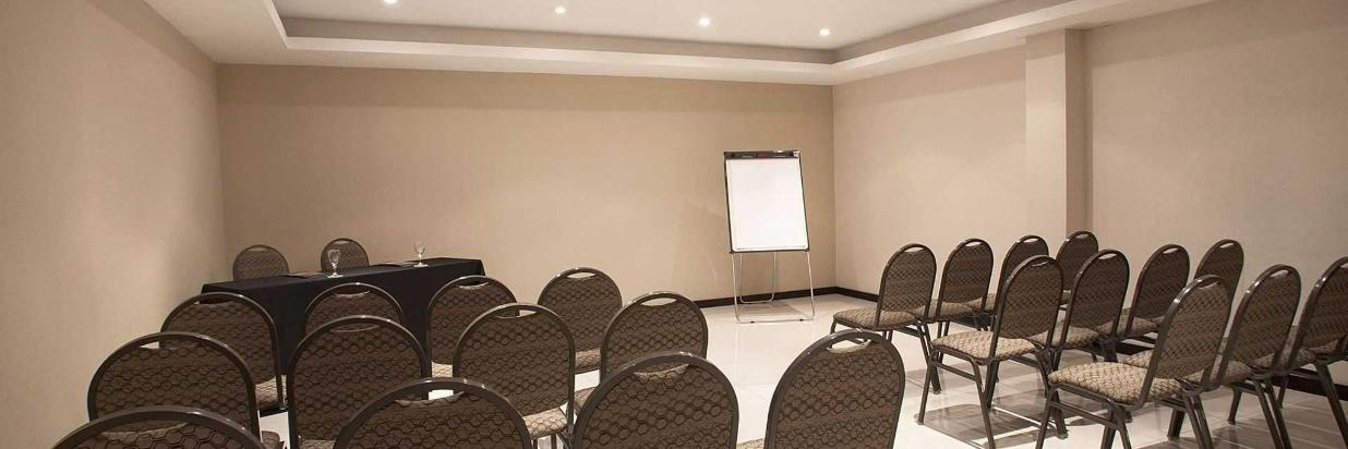 hr-luxor-hotel-buenos-aires-salon-de-eventos-001.jpg