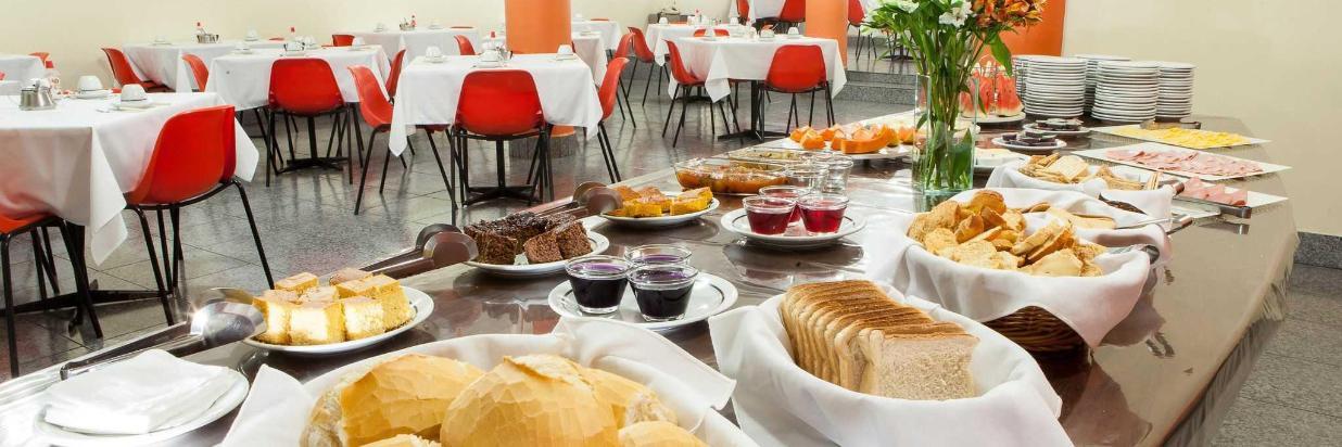 domus-hotel-buffet-caf-da-manh-centro-s-o-paulo-2-1.JPG