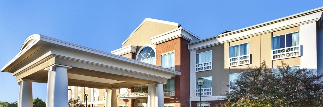 Holiday Inn Express Hotel & Suites Grand Rapids-North