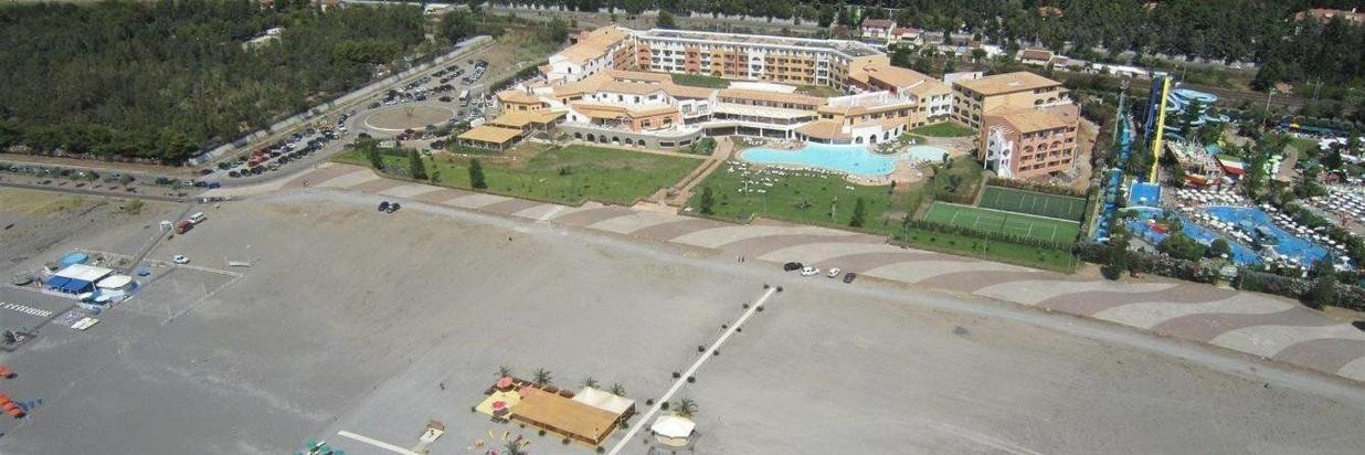 Pool & Strand