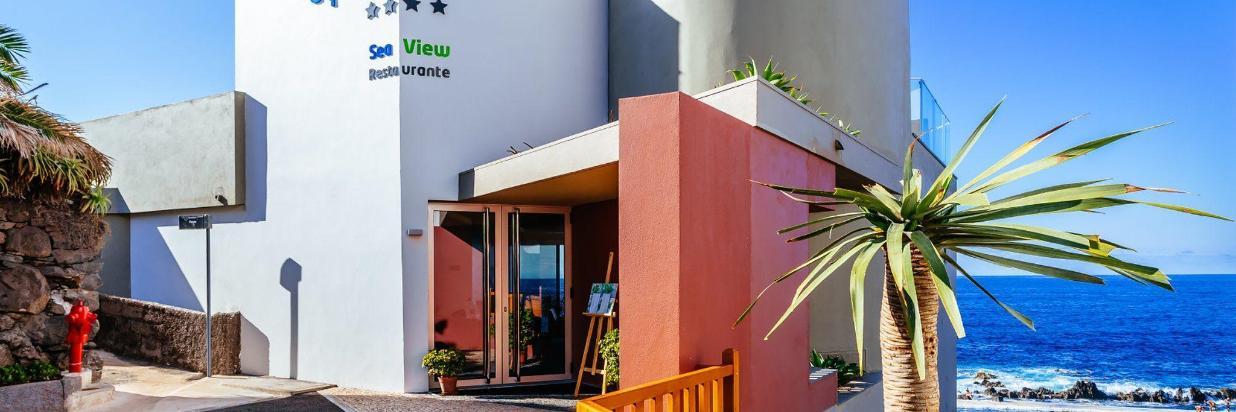 15 Hotel Entrance Aqua Natura