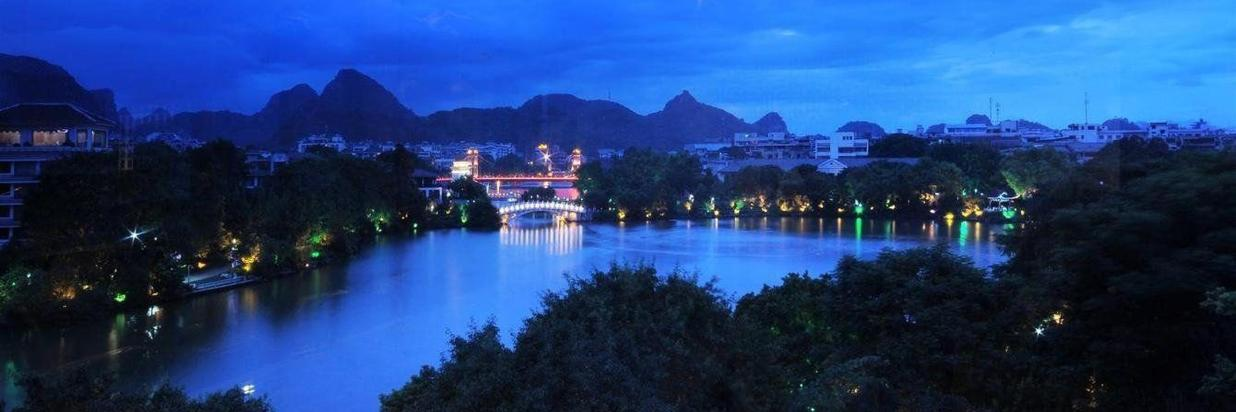 abcdefg-1-jing-guan-ming-lou-rong-lake-night-view-from-fifth-floor.jpg